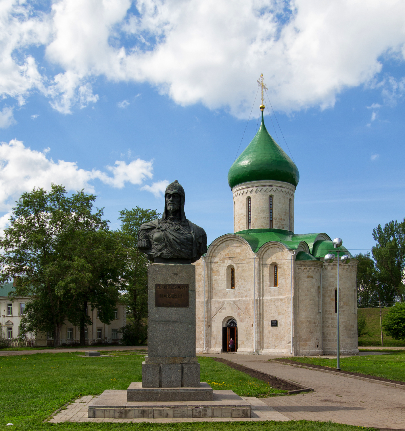 The pearl of Pereslavl-Zalessky is the Transfiguration Cathedral