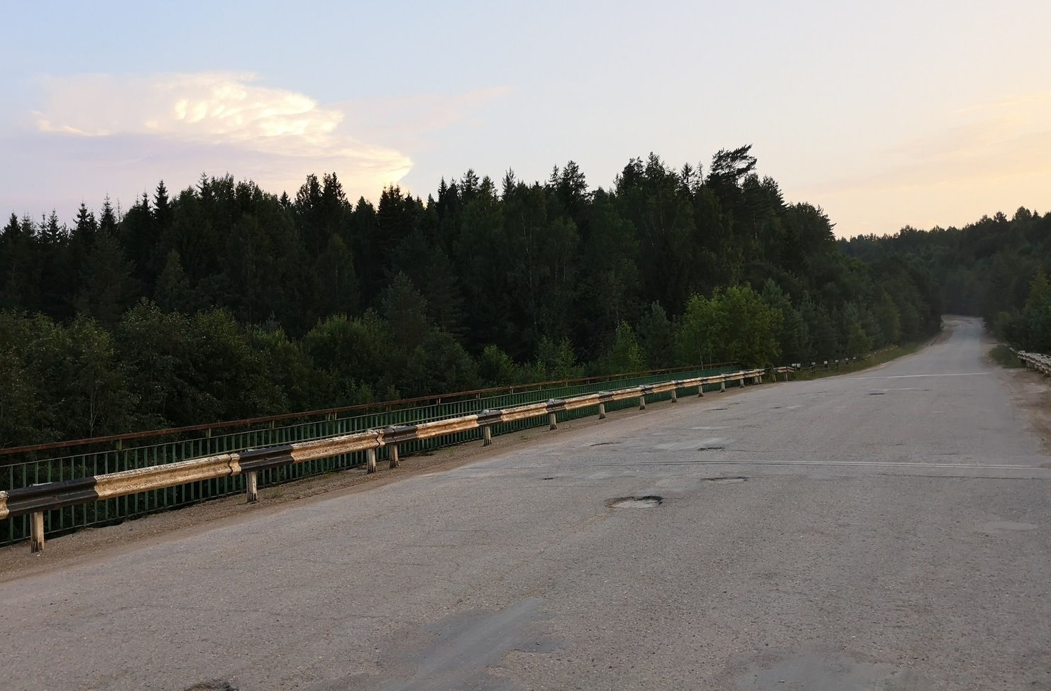 Way to the real Russia: small countryside roads