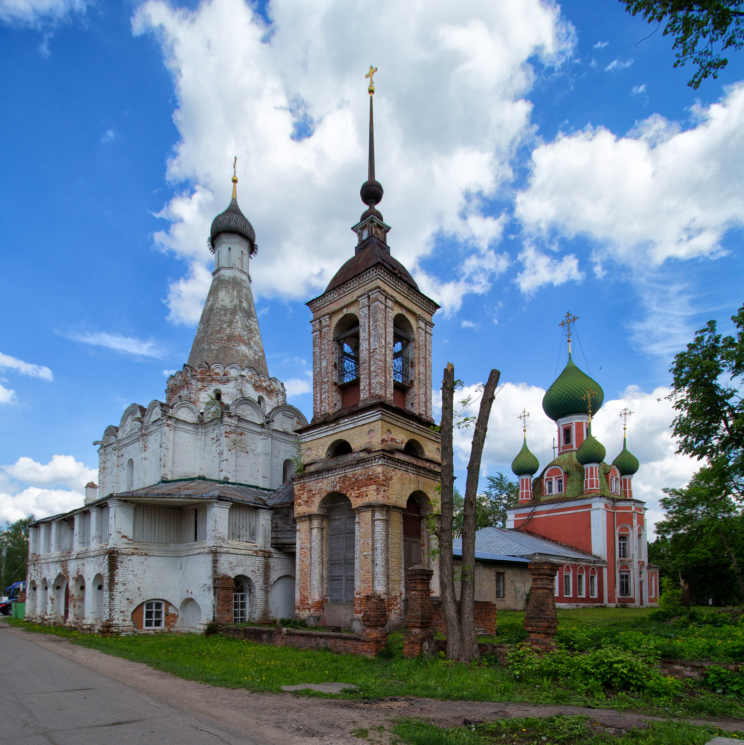 The Church of Peter the Metropolitan is one of the most beautiful in ancient Pereslavl-Zalessky